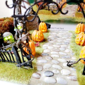 Department 56 Holiday - Department 56 Halloween Haunted Front Yard